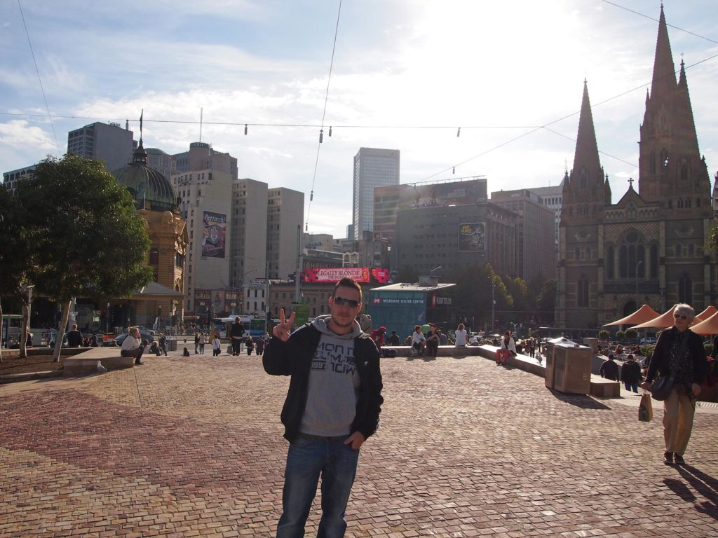 Tobi am Federation Square in Melbourne
