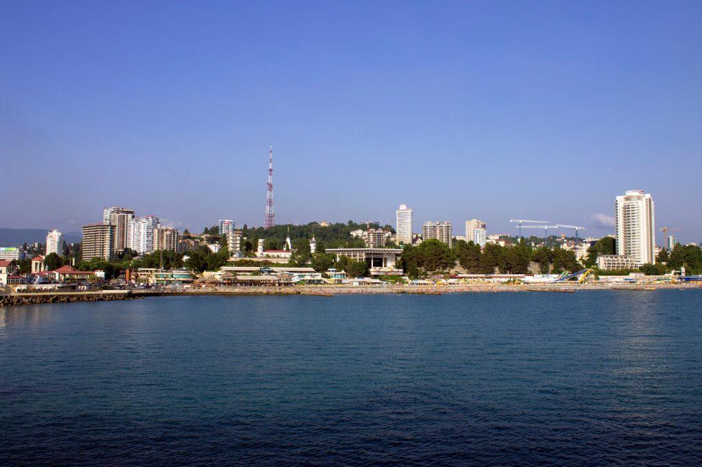Ausblick auf die Strandpromenade von Sotschi