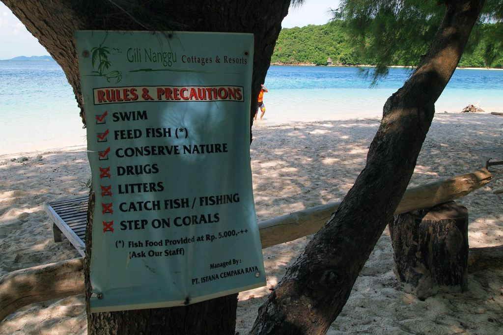 Rules and precautions at the beach of Gili Nanggu