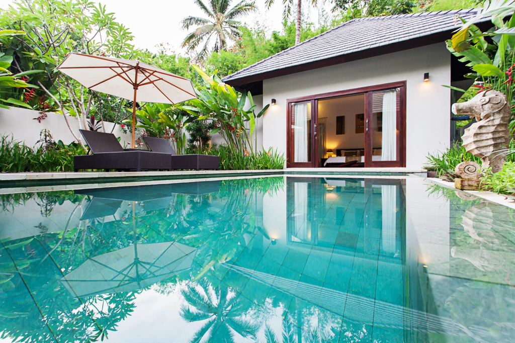 Privater Swimmingpool in der Angsana Villa im Kebun Villas & Resort