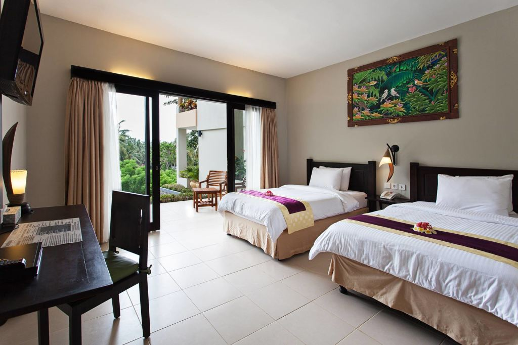 Seroja twin-bed room at Kebun Villas & Resort (Senggigi, Lombok)