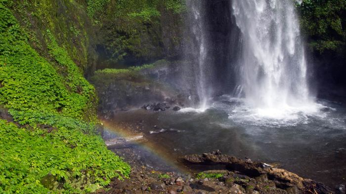 Rainbow at the Tiu Teja waterfall