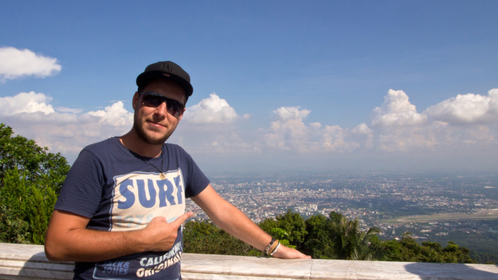 Tobi and the view over Chiang Mai from the Wat Phra That Doi Suthep