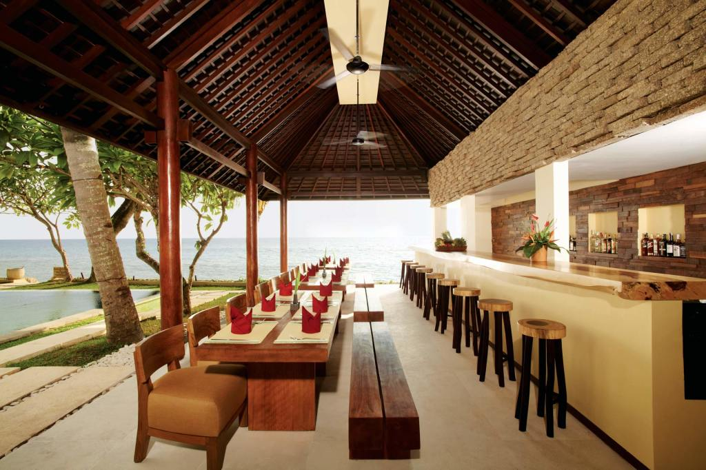 The Nooq Bar at Qunci Villas on Lombok