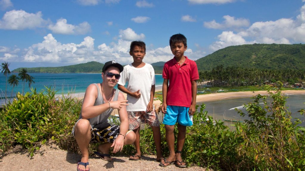 Marcel and two local kids at the viewpoint of Nacpan Beach