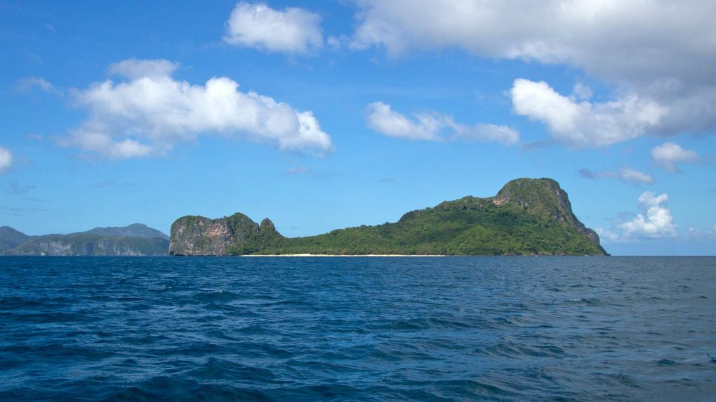 View from the boat at Helicopter Island in El Nido
