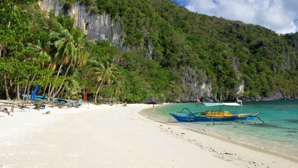 Papaya Beach on Cadlao Island, Palawan