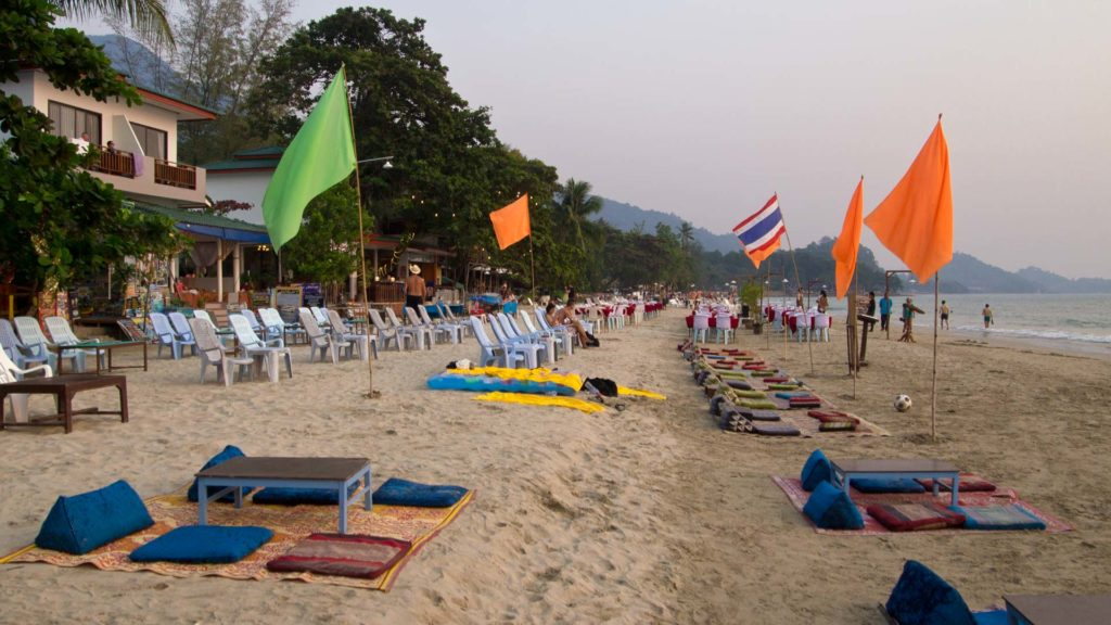 Beach Bars am White Sand Beach auf Koh Chang