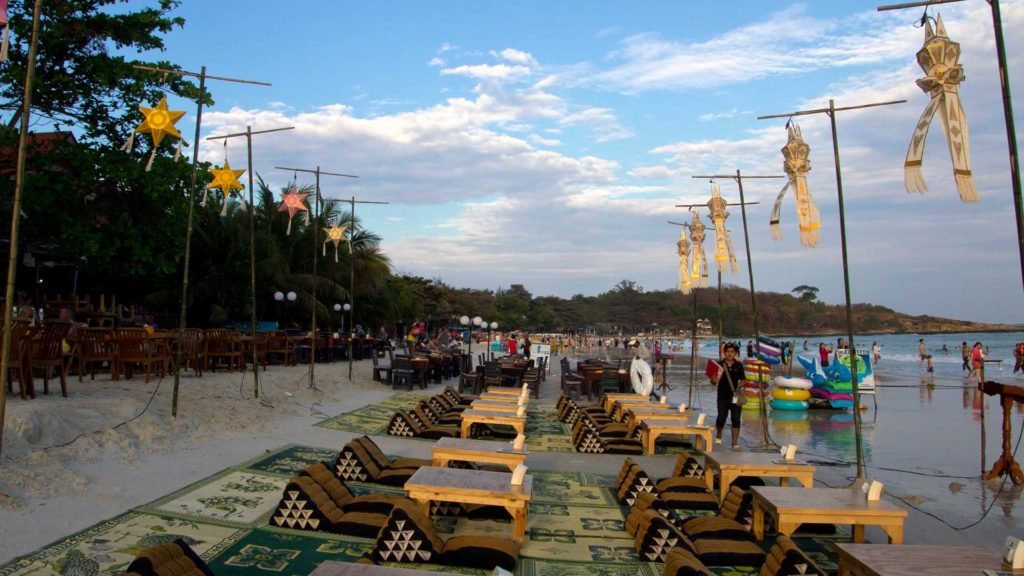 Beach bars at Haad Sai Kaew