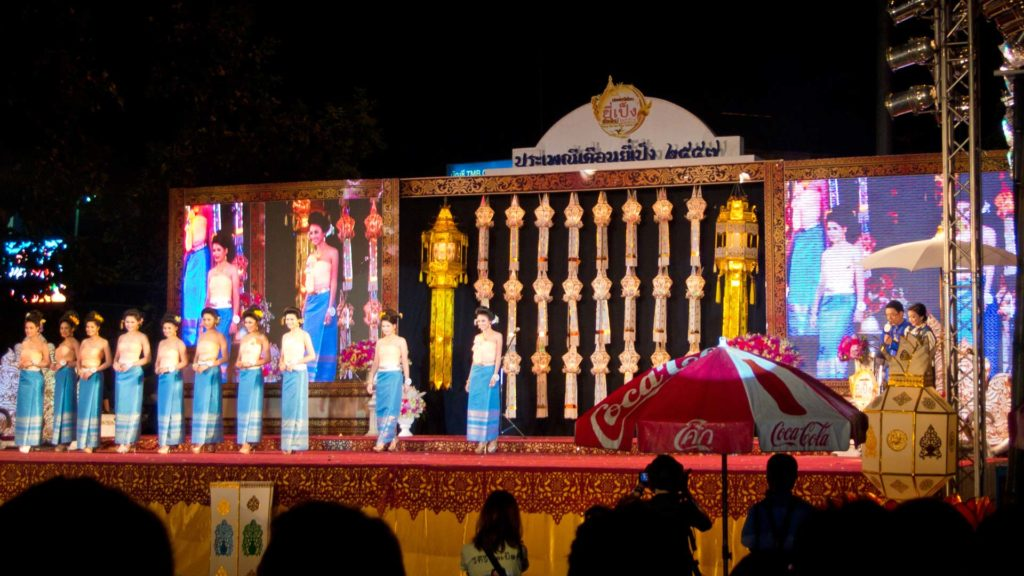Miss Loy Krathong Wahl am Thapae Gate in Chiang Mai