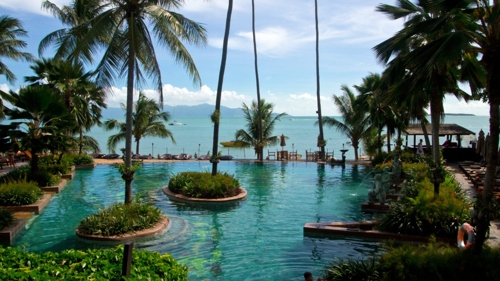 The Anantara swimming pool with a view at Koh Phangan