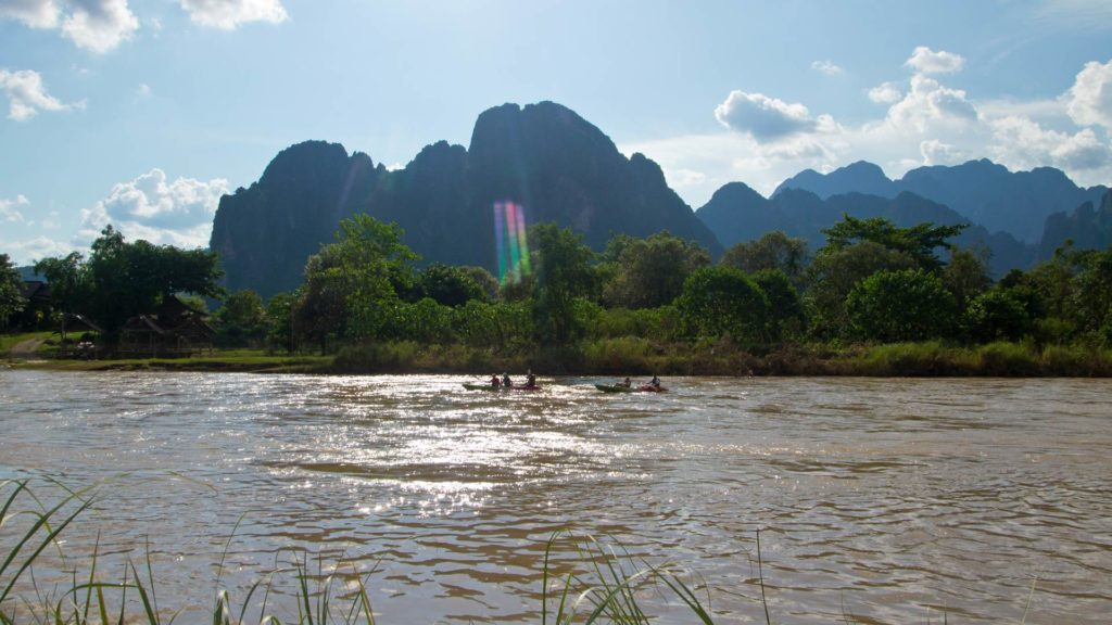 Der Nam Song Fluss in Vang Vieng, Laos