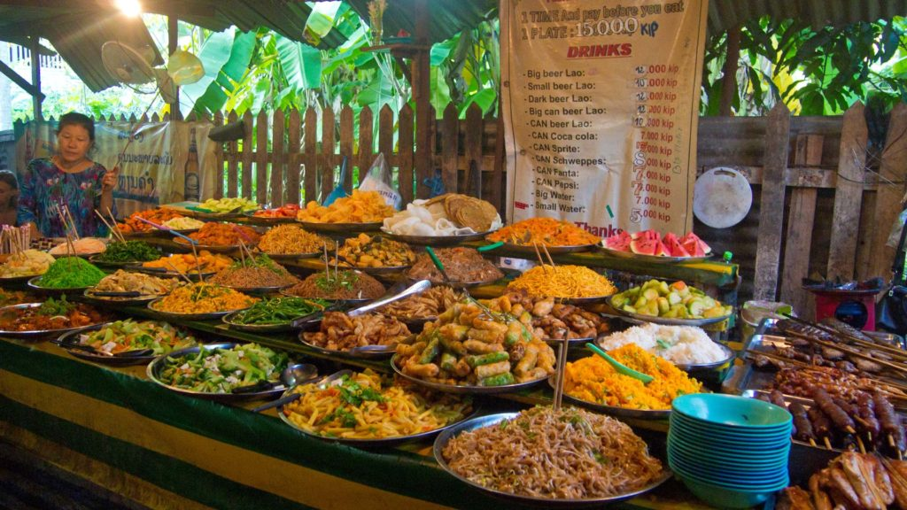 Vegetarisches Buffet in Luang Prabang, Laos