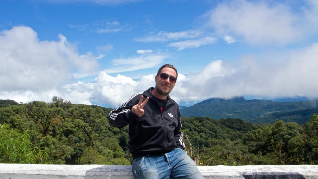 Tobi and the view of the mountains of the Doi Inthanon National Park