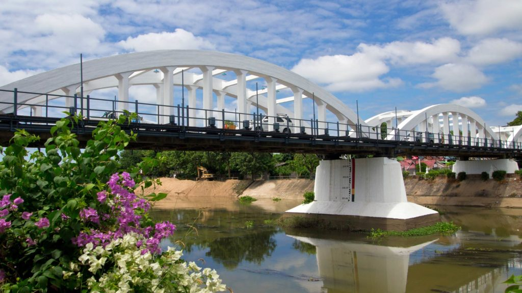 Ratsadapisek Bridge, Wang River, Lampang