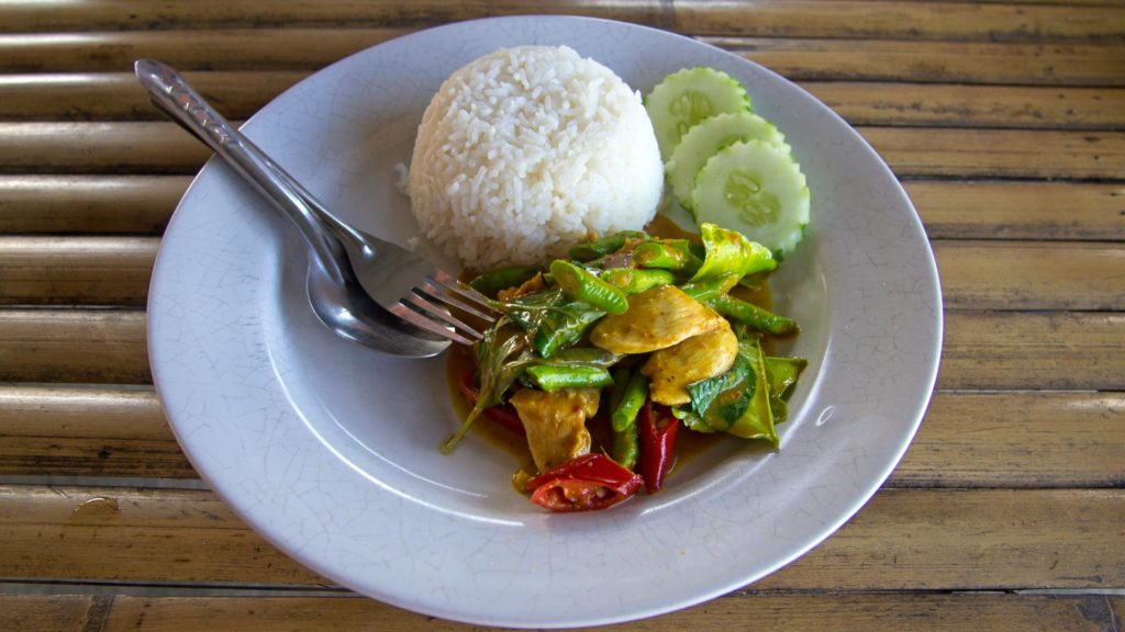 Pad Prik Gaeng - fried curry with chili, long beans and chicken