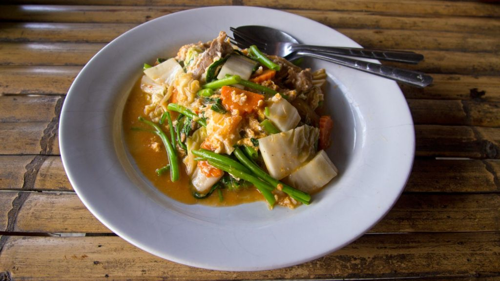 Suki Yaki - Thai variant of hot pot with noodles, vegetables and spicy sauce
