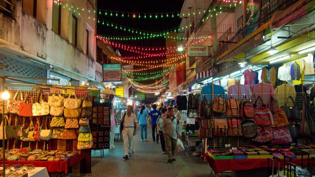 Auf dem Nachtmarkt von Chiang Rai