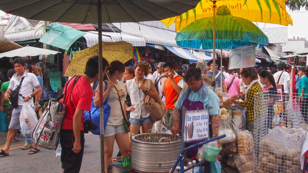 People at the Chatuchak Market in Bangkok