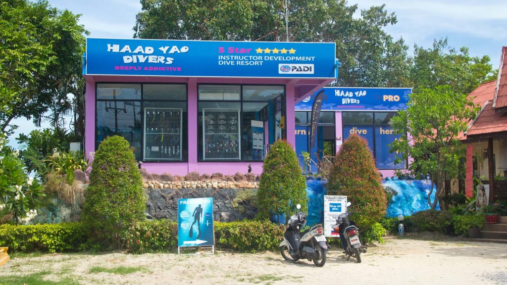 The Haad Yao Diver diving school on Koh Phangan
