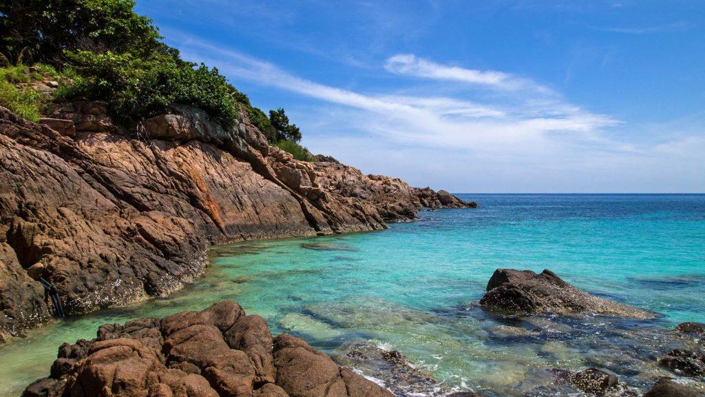 Türkises Wasser und die Aussicht aufs Meer, ein Traum auf Redang