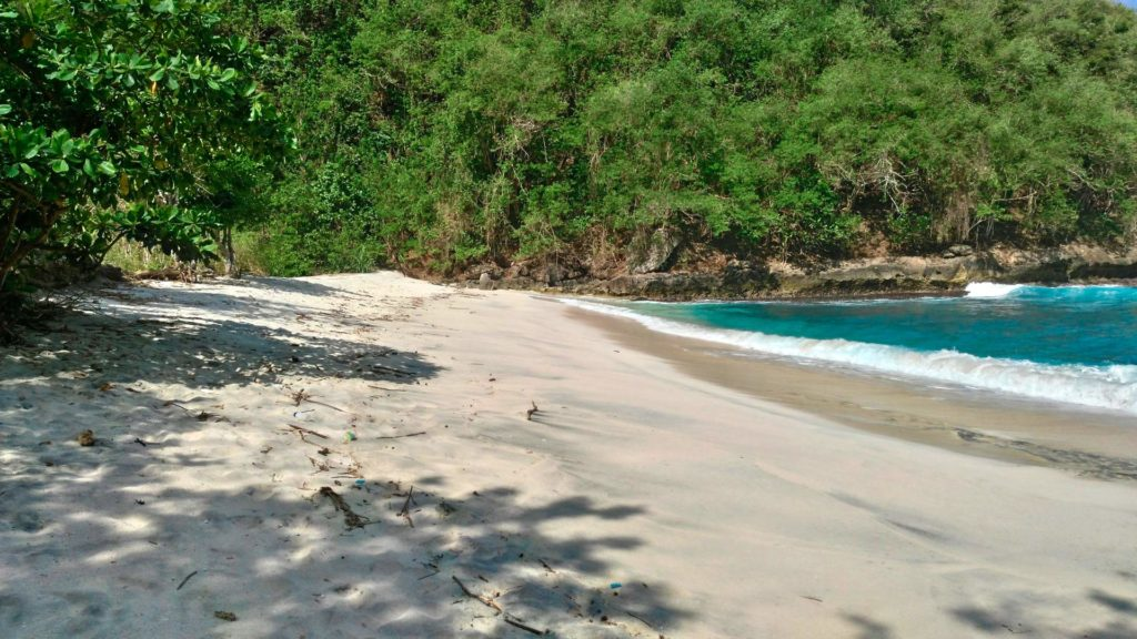 The lonely Pandan Beach on Nusa Penida