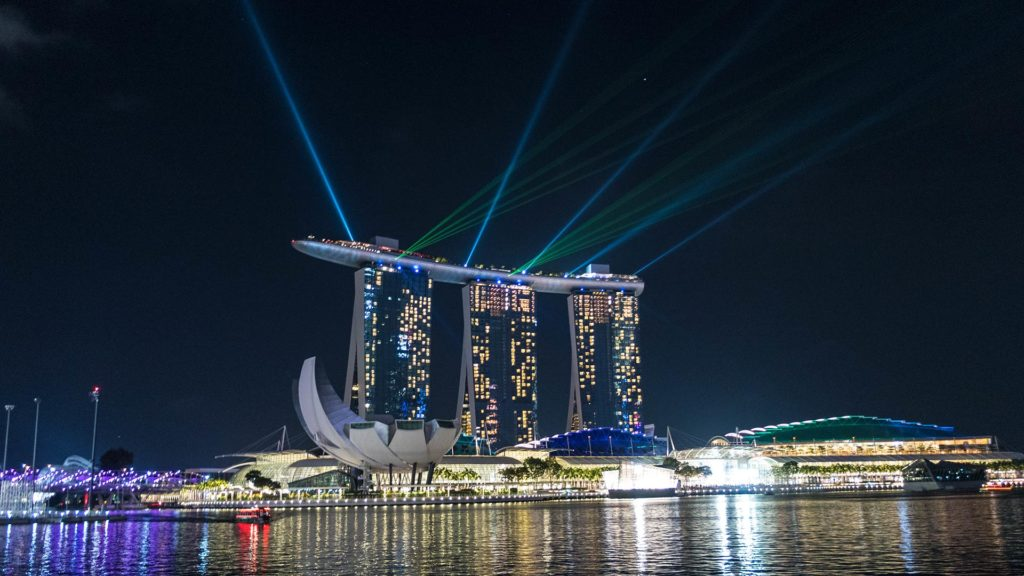The nocturnal laser show of the Marina Bay Sands in Singapore