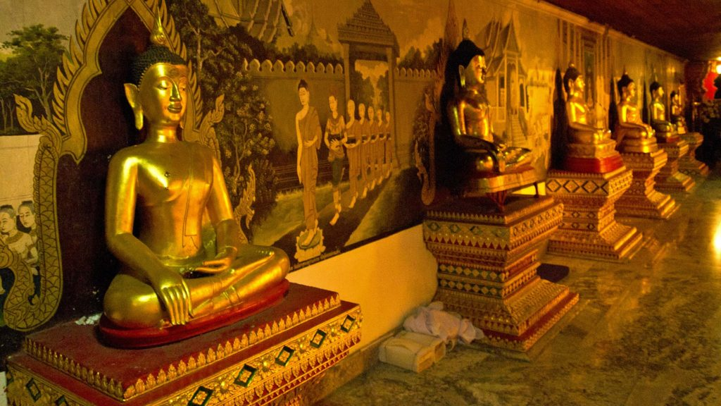 Buddha statues in the Wat Phra That Doi Suthep at night