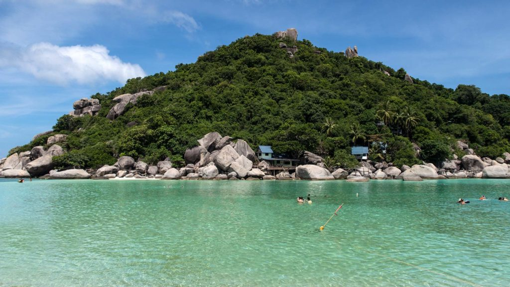 Dreamlike water to swim in on Koh Nang Yuan