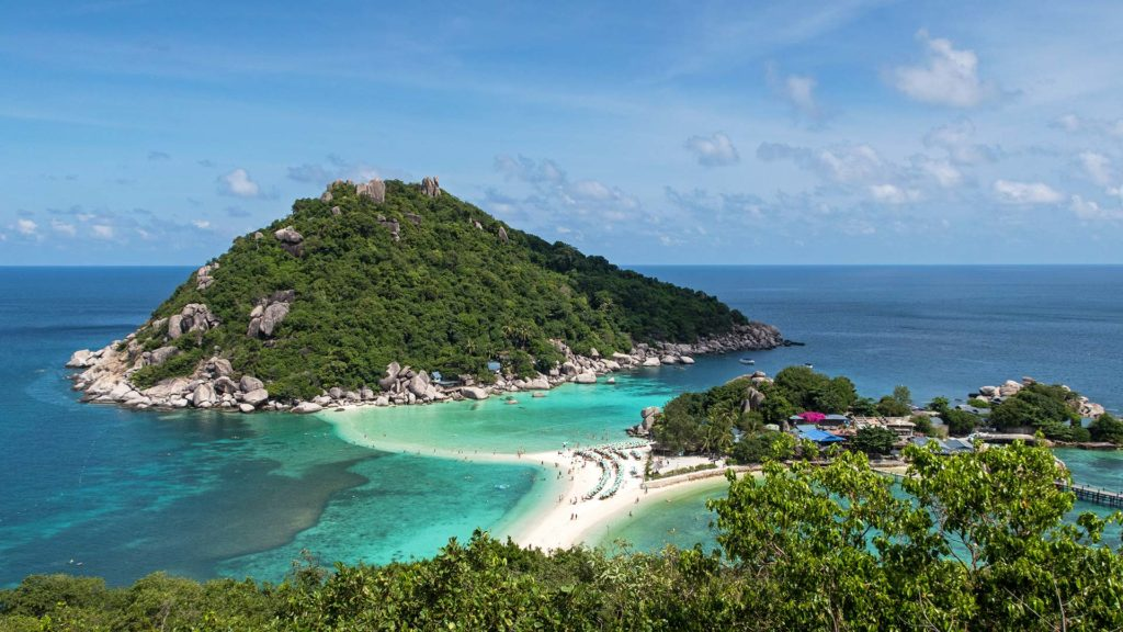 The view from the Koh Nang Yuan Viewpoint