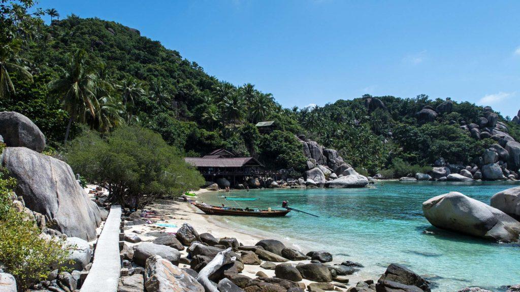 Aussicht auf die Bucht des Freedom Beach von Koh Tao
