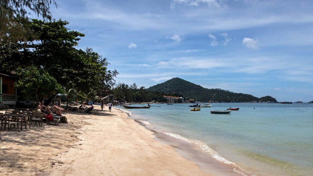 Der Sairee Beach von Koh Tao am Nachmittag