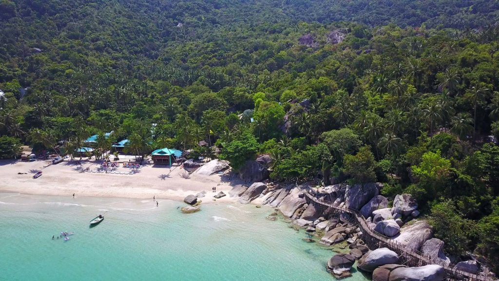 Drone flight above Haad Yuan on Koh Phangan's east coast