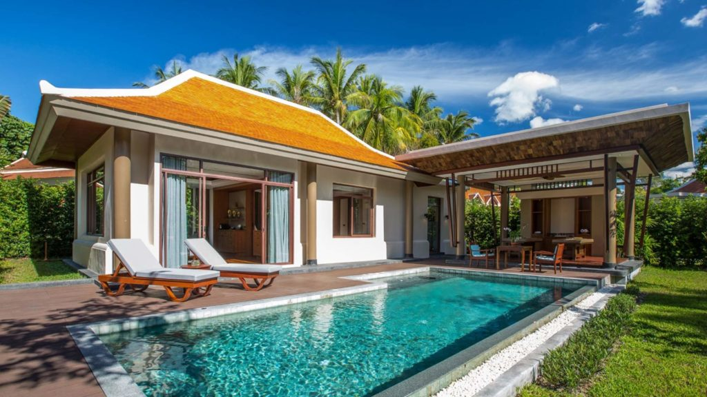 The Grand Deluxe Pool Villa of the Santiburi Samui Beach Resort & Spa in Maenam