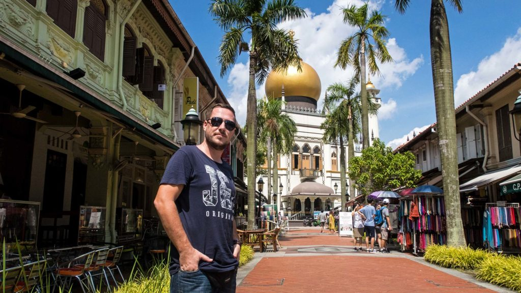 Tobi in front of the Sultan Mosque in the Kampong Glam district in Singapore