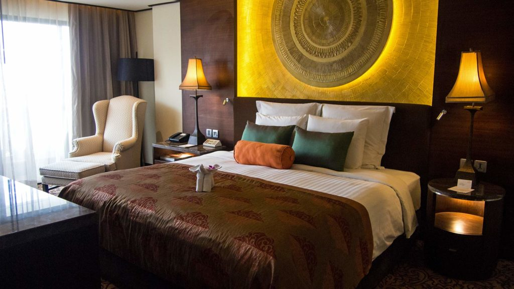 The comfortable rooms in the Anantara Riverside Bangkok Resort