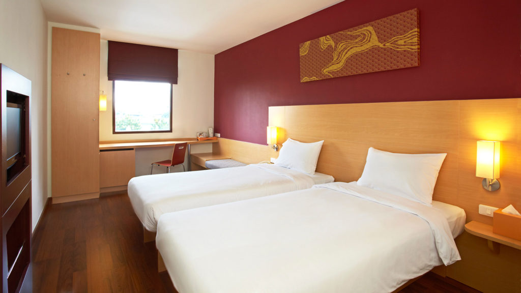 The cozy rooms of the Ibis Riverside in Bangkok