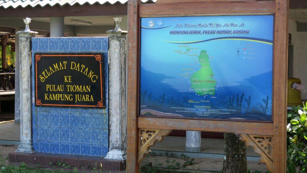 Willkommensschild am Juara Beach auf Tioman