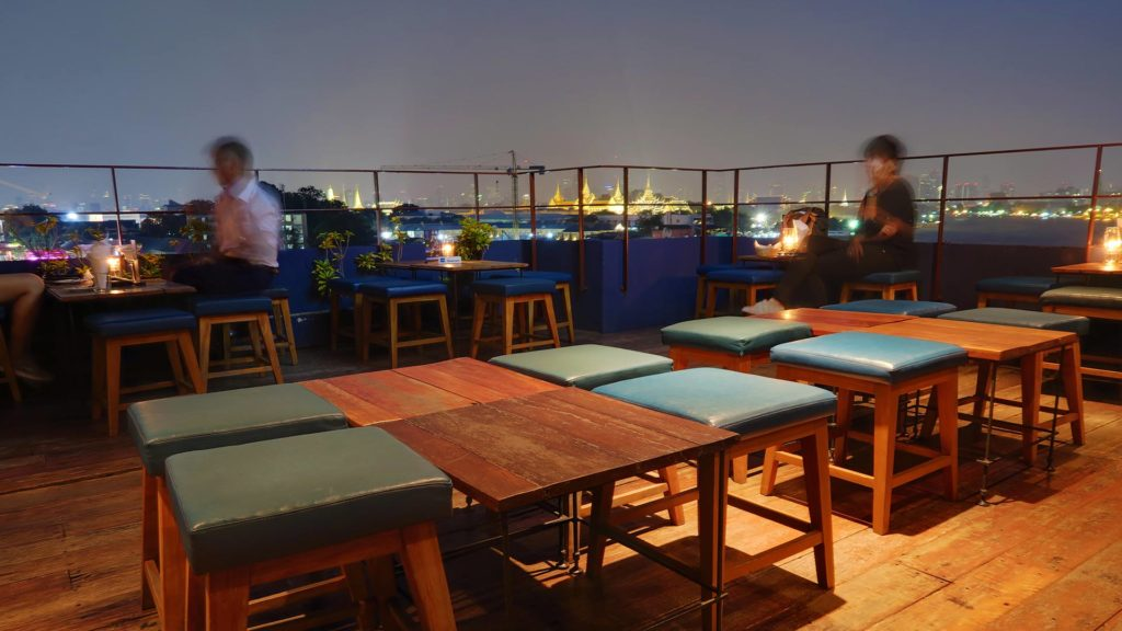Die 342 Rooftop Bar in Thonburi, Bangkok