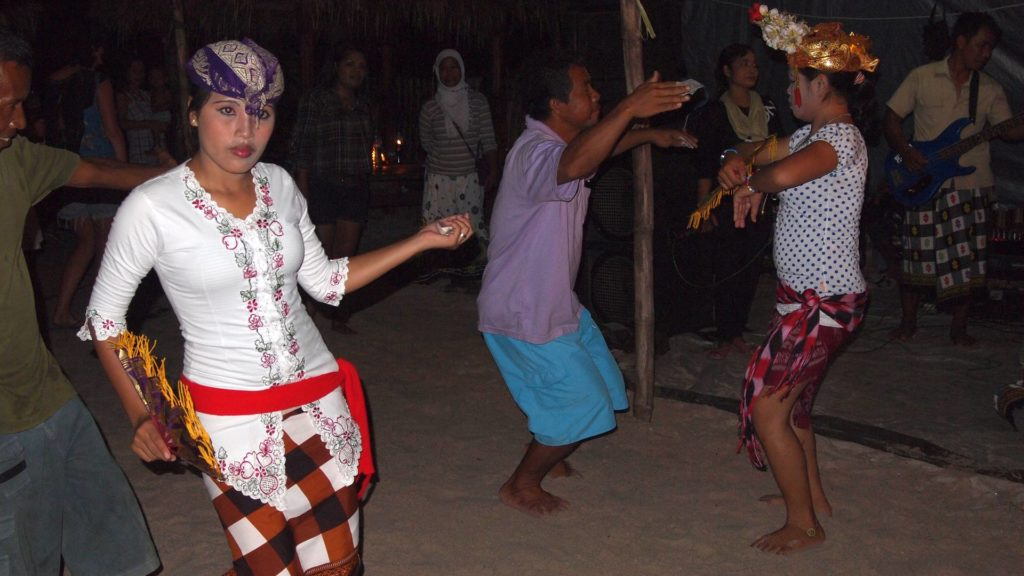 Traditional Sasak dance on Gili Meno