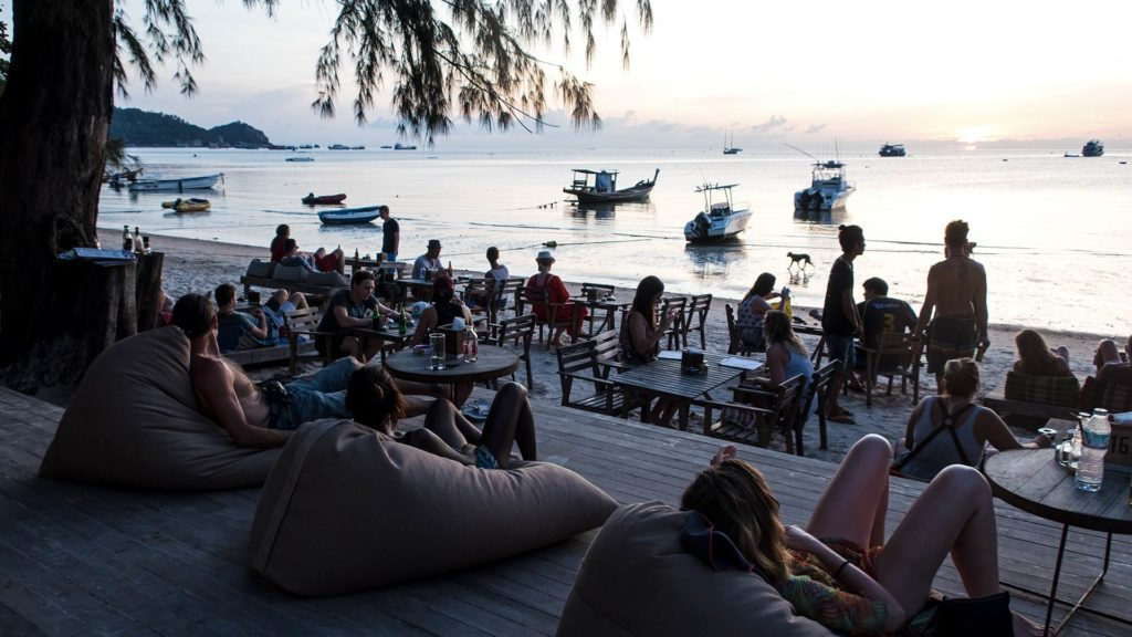 Beach Bar am Sairee Beach auf Koh Tao