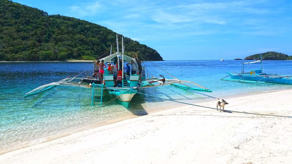 Guests arriving at Araw Beach in Linapacan, Palawan