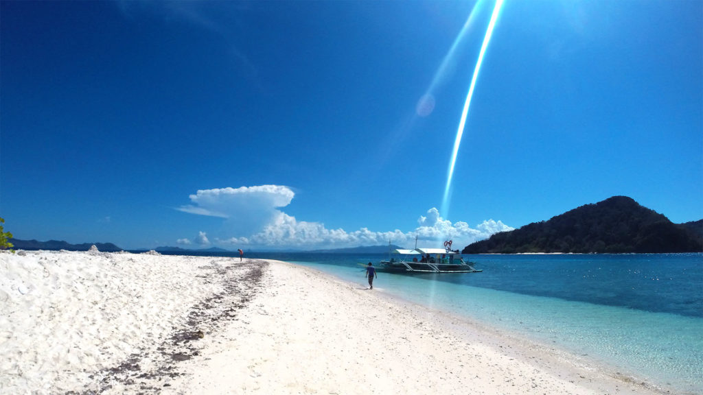 White sand beach on Takling Island in Linapacan, Palawan