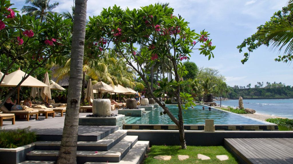 Swimmingpool des Qunci Villas Resorts auf Lombok, Indonesien