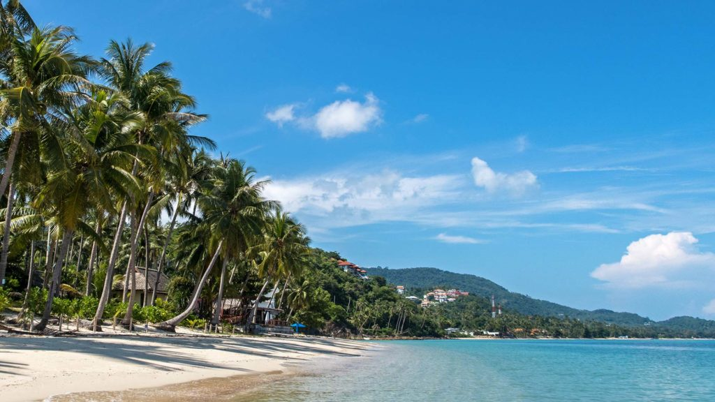 The quiet and peaceful Baan Tai Beach on Koh Samui, perfect for a beach holiday in Thailand