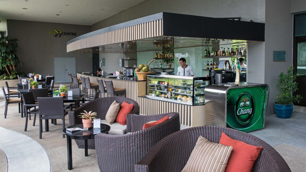 The poolside bar of the Amari Watergate in Bangkok