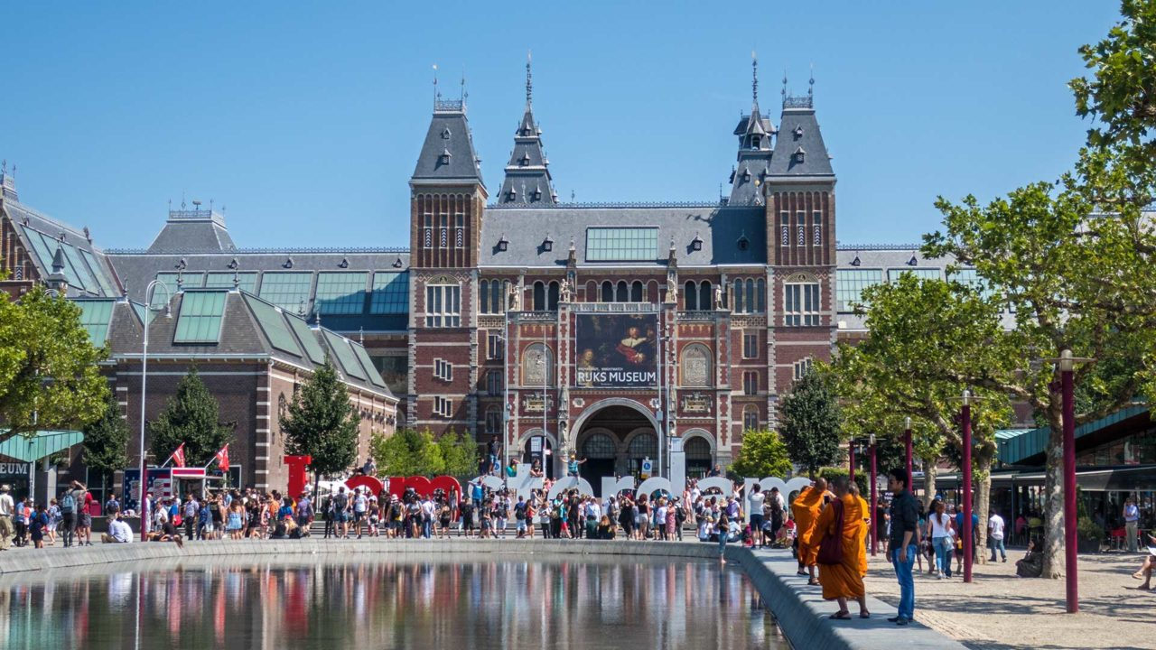 The Rijksmuseum and the I amsterdam sign