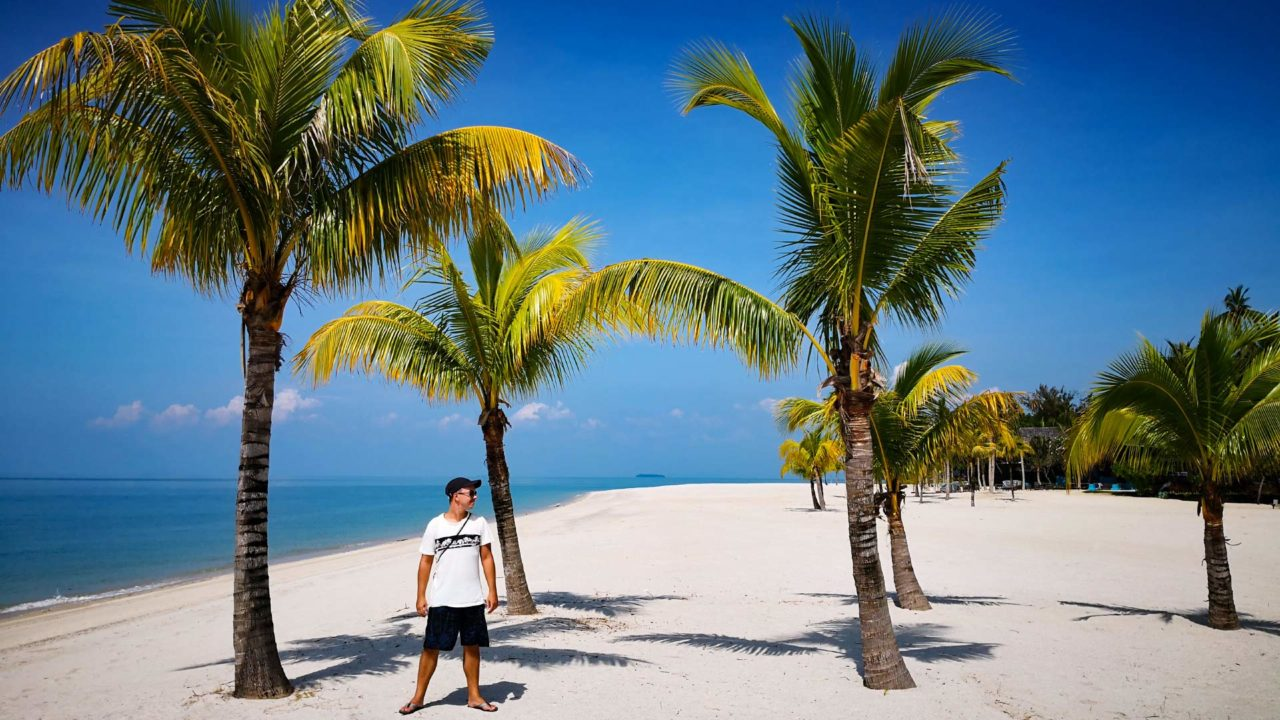 Marcel am Strand des Langkawi Four Seasons Resorts am Tanjung Rhu Beach