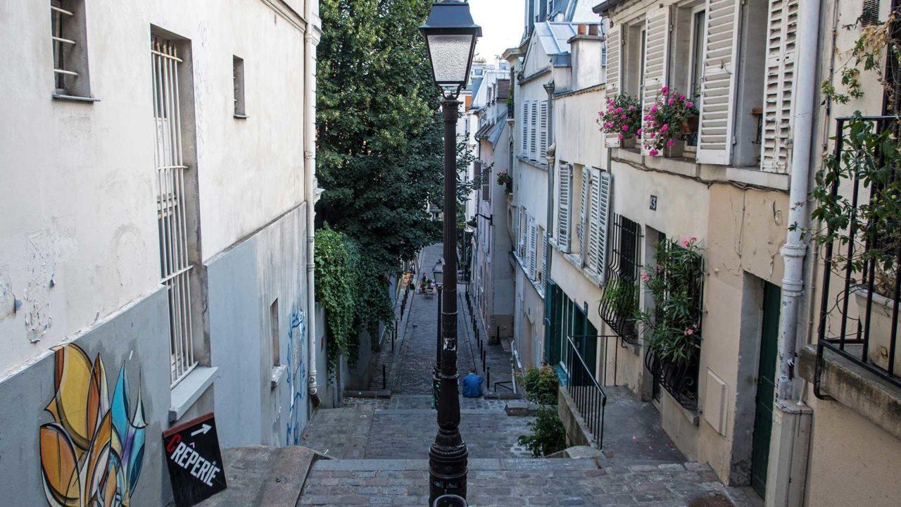 Seitenstraße in Montmartre, Paris