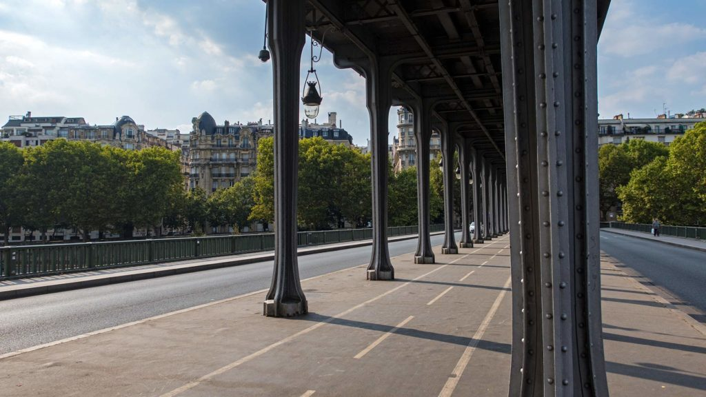 Pont de Bir-Hakeim, Brücke aus dem Film Inception in Paris